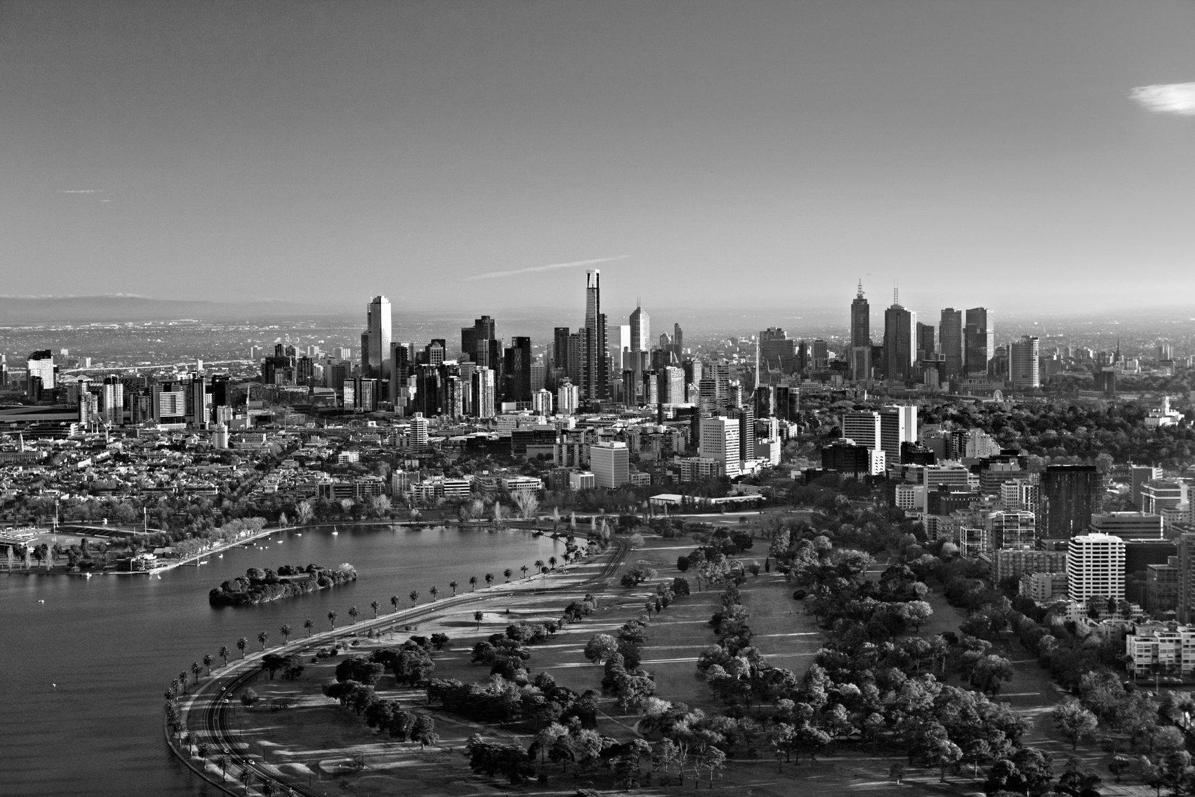 Melbourne_city_view_bw